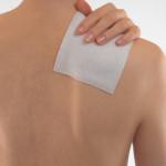 肩こりの痛みに湿布は効果的?